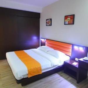 Hans Inn Batam Batam - SUITE WITH BALCONY Regular Plan
