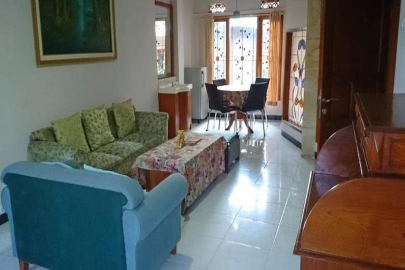 Arwiga Hotel Bandung - Ruang tamu