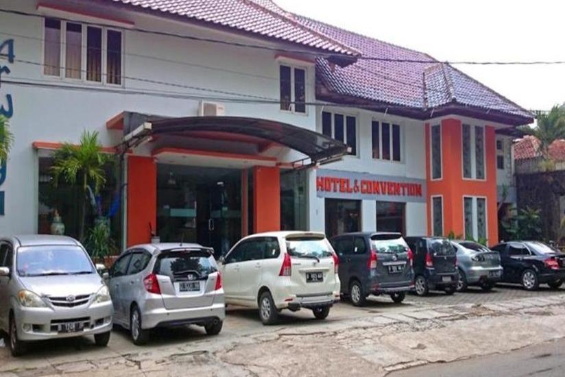 Arwiga Hotel Bandung - Tampilan Luar Hotel