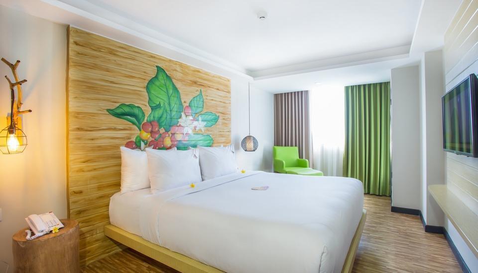 MaxOneHotels at Ubud Bali - Happiness Room with Breakfast Regular Plan
