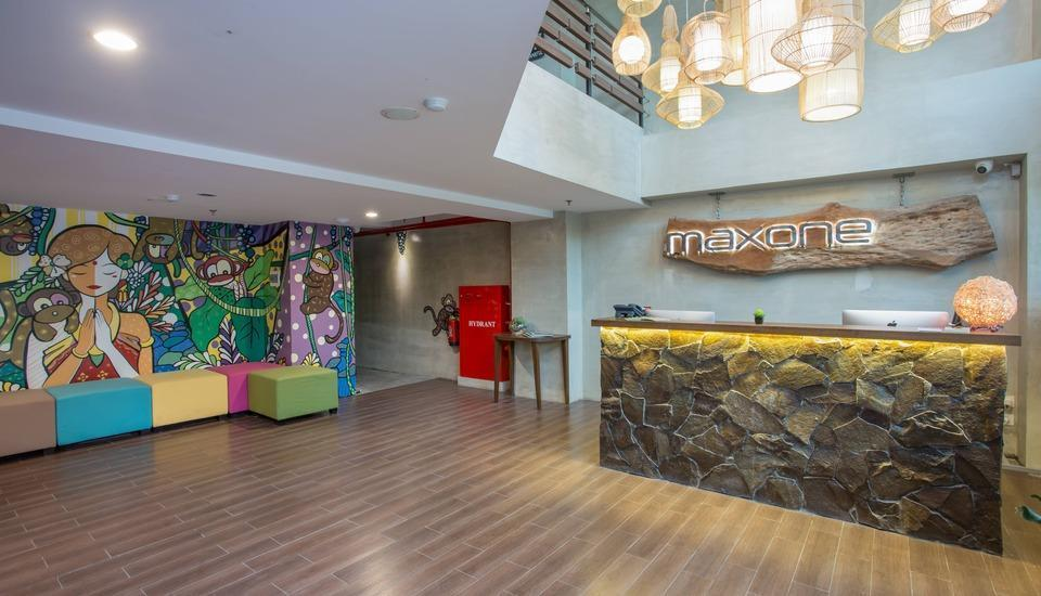 MaxOneHotels at Ubud Bali - lobby area
