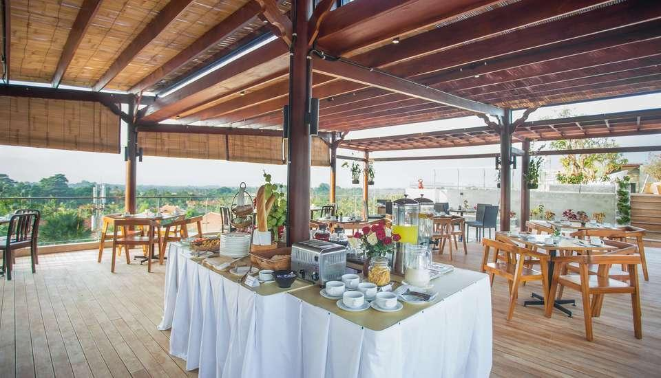 MaxOneHotels at Ubud Bali - breakfast