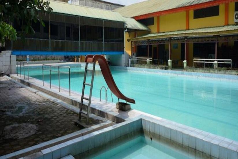 Hotel Ratu Mayang Garden Pekanbaru - Kolam Renang