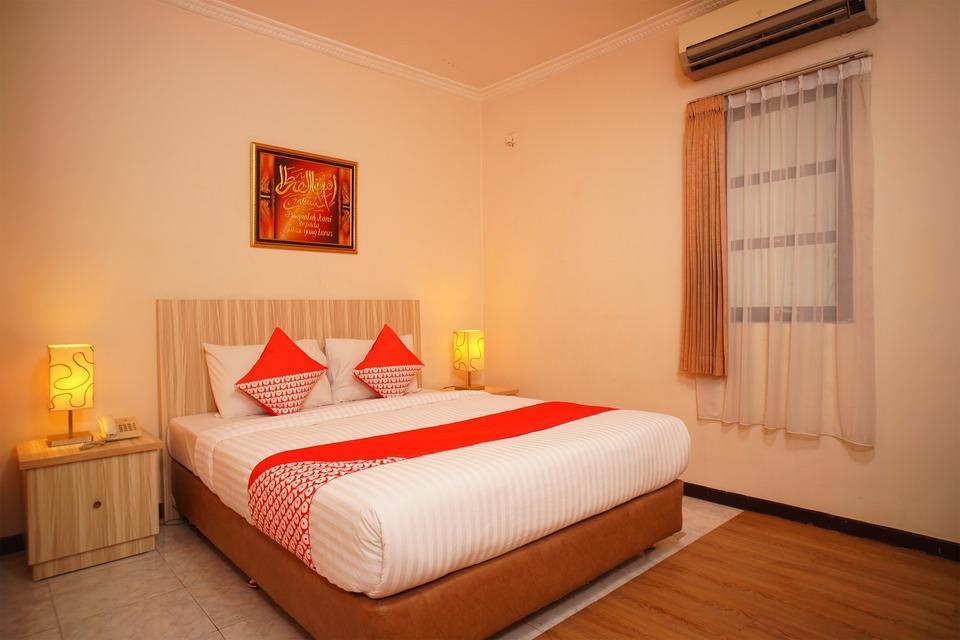 OYO 142 Hotel Al Furqon Syariah Palembang - Standard Double Room Regular Plan