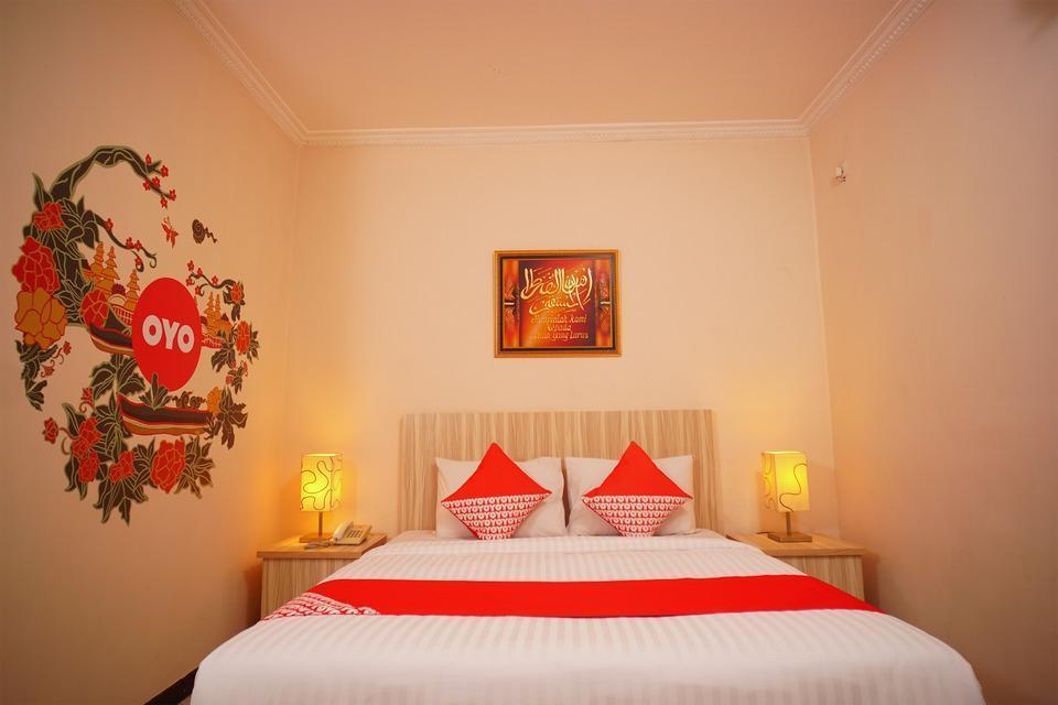 OYO 142 Hotel Al Furqon Syariah Palembang - Suite Double Room Regular Plan