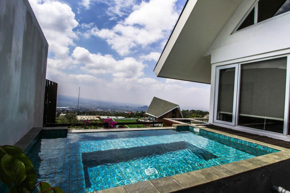 Amartahills Hotel and Resort Batu Malang - Private Jacuzzi