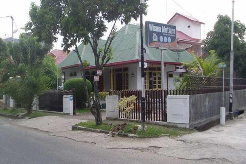 Wisma Mutiara Padang - Tampilan Luar Hotel