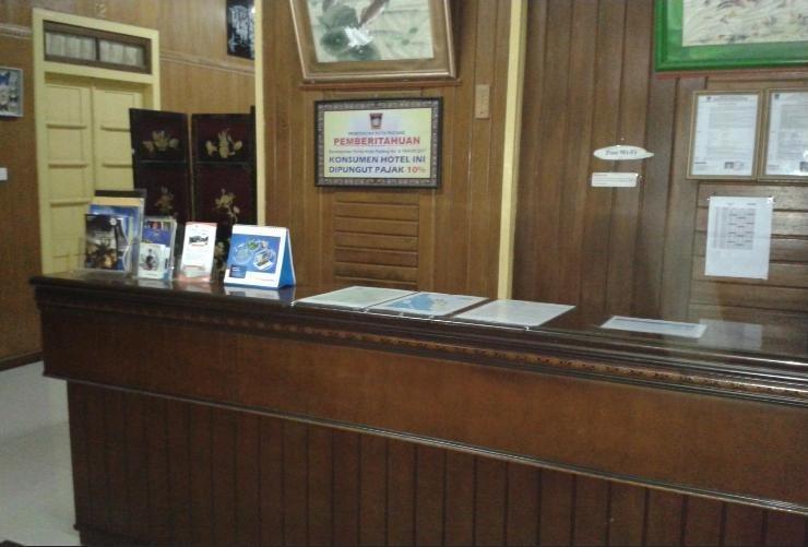 Wisma Mutiara Padang - Reception