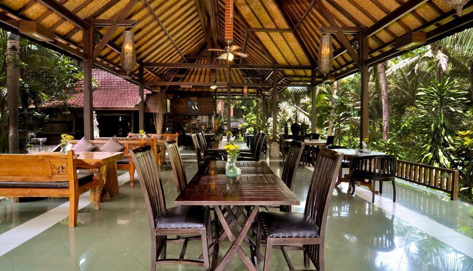 Bali Spirit Hotel & Spa Bali - Restoran tepi Sungai