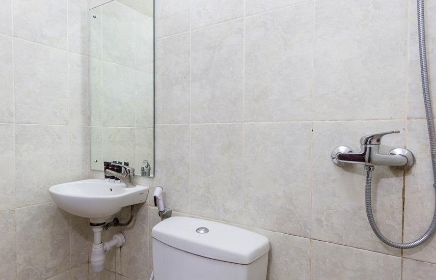 RedDoorz @Danau Tondano Sanur - Kamar mandi