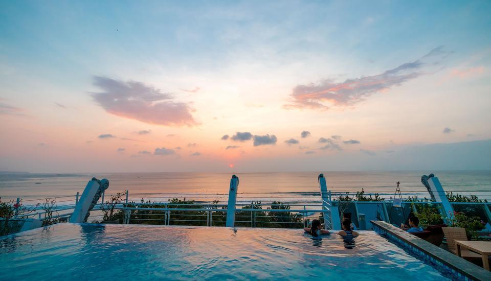 Kutabex Hotel Bali - Rooftop Pool View