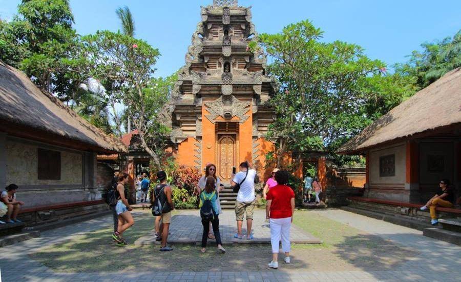 Alam Puisi Villa Bali - Lingkungan Sekitar