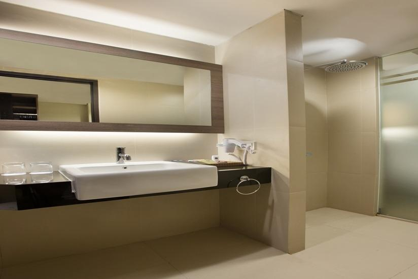 Best Western Plus Kemayoran Hotel Jakarta - Deluxe Room Only Last Minute Booking, 28% OFF