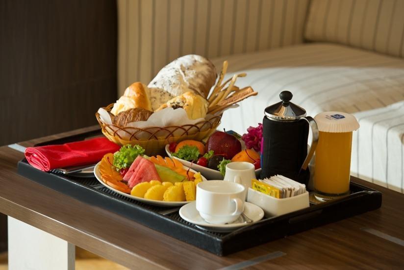 Best Western Plus Kemayoran Hotel Jakarta - Meals
