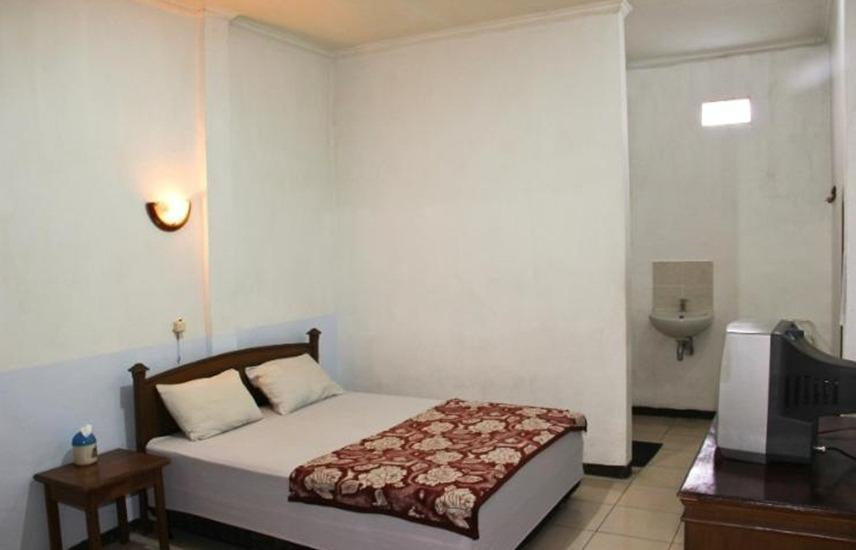 Hotel Nugraha Malang Malang - Superior Room with Fan Regular Plan