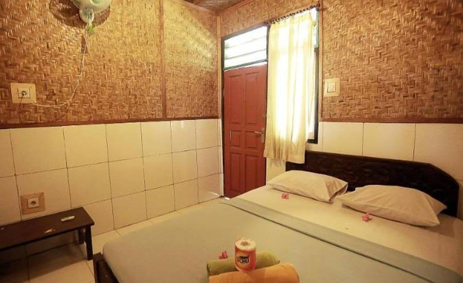 Dua Nina Homestay Lombok - Standard Fan Regular Plan