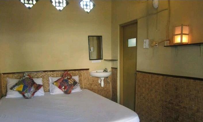 Dua Nina Homestay Lombok - double bed