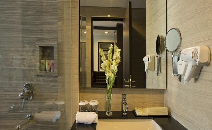 The Bellevue Suites Jakarta - Kamar mandi