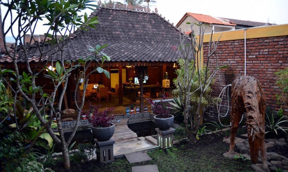 Villa D'Roemah Hampor Garut - Eksterior