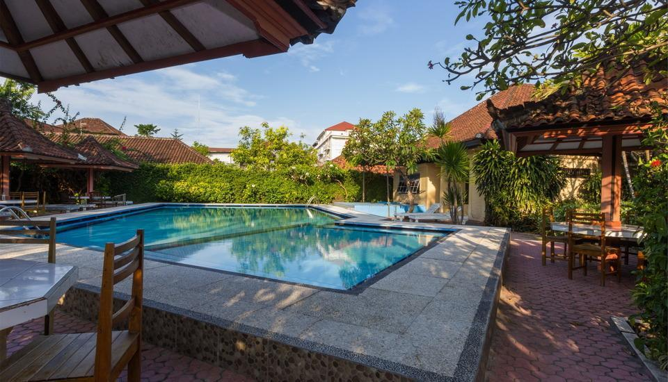 RedDoorz @Sorga Poppies Lane Bali - Kolam Renang