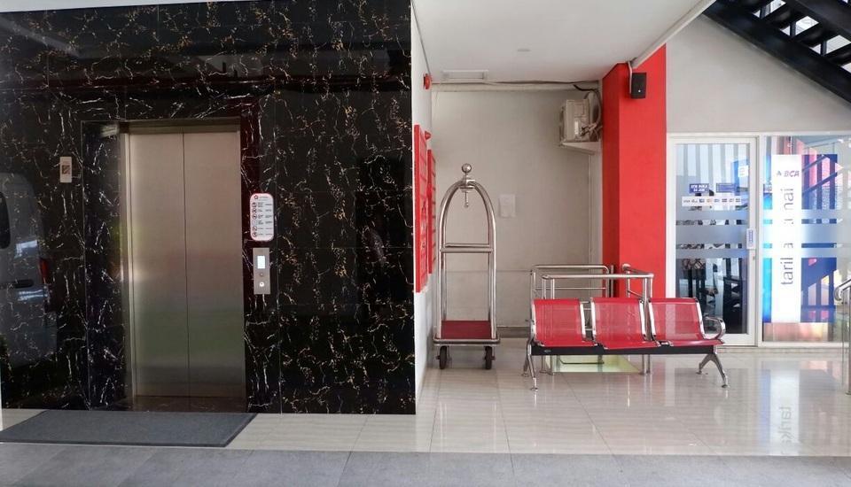 Brothers Inn Babarsari Jogja - Lift dan ATM BCA