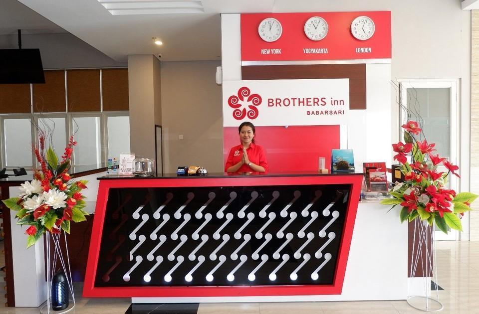 Brothers Inn Babarsari Jogja - Resepsionis