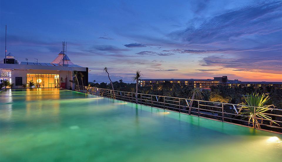 Golden Tulip Devins Hotel Seminyak - Kolam Renang