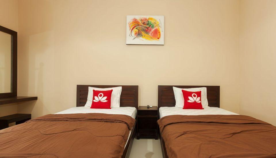 ZenRooms Bukit Jimbaran Buana Bali - Tampak tempat tidur twin