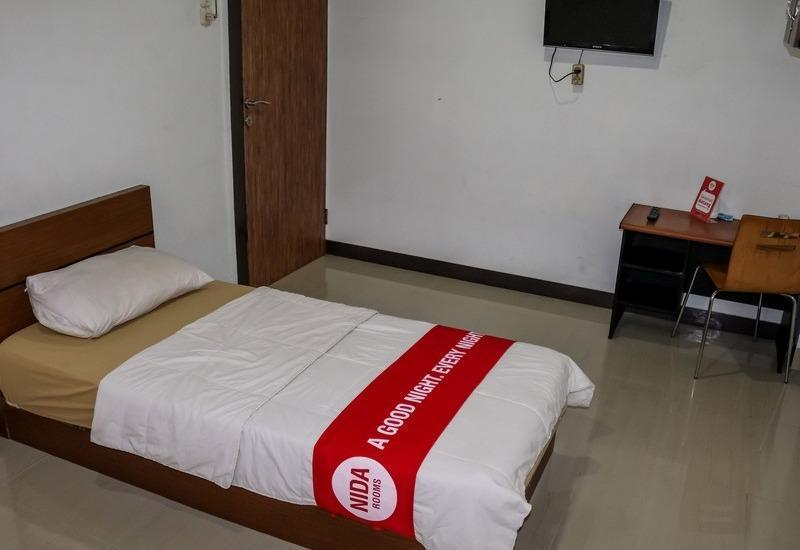 NIDA Rooms Muara 16 Polonia - Double Room Single Occupancy Special Promo