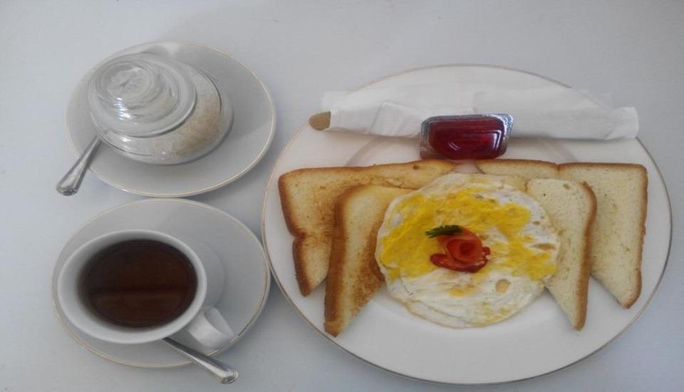 Java Sunrise Homestay Banyuwangi - Meals