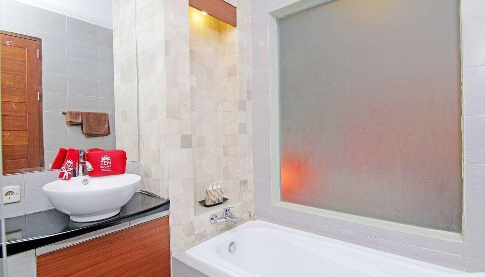 ZEN Premium Ubud Pengosekan 2 Bali - Kamar mandi