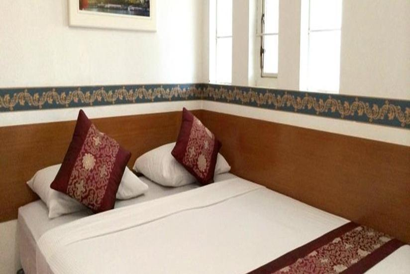 SM Residence Pasteur - Deluxe Queen AC - Room Only NICE DEALS.