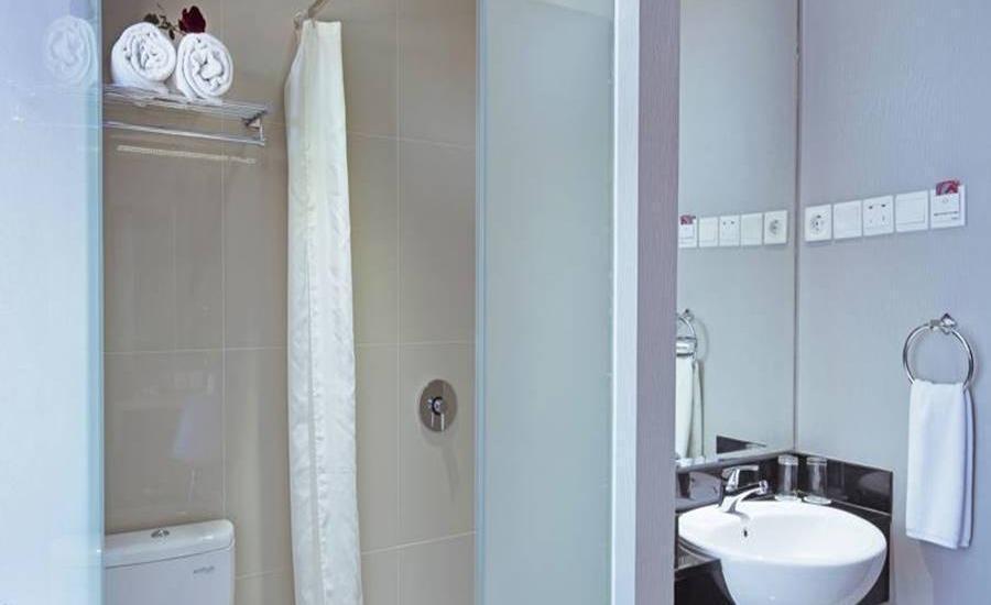 G Suites Hotel Surabaya - HOT DEAL with Breakfast Regular Plan