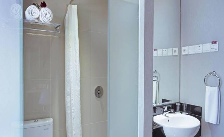 G Suites Hotel Surabaya -  HOT DEAL Room Only Regular Plan
