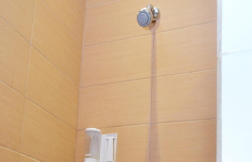 Putri Bali Guest House Surabaya - shower