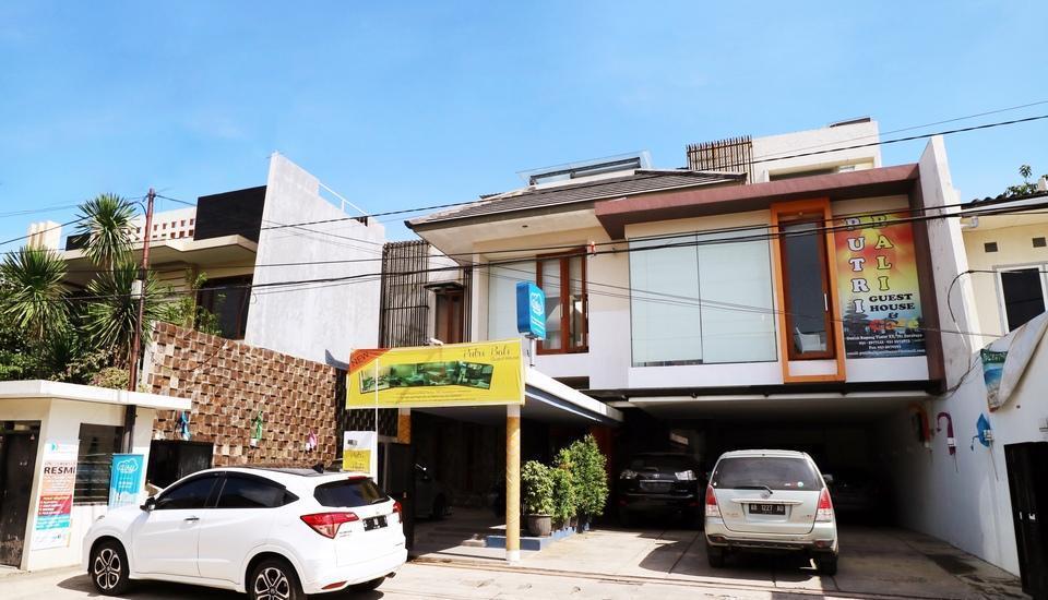 Putri Bali Guest House Surabaya - Building