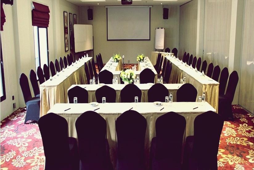 Sotis Hotel Jakarta - Meeting Room