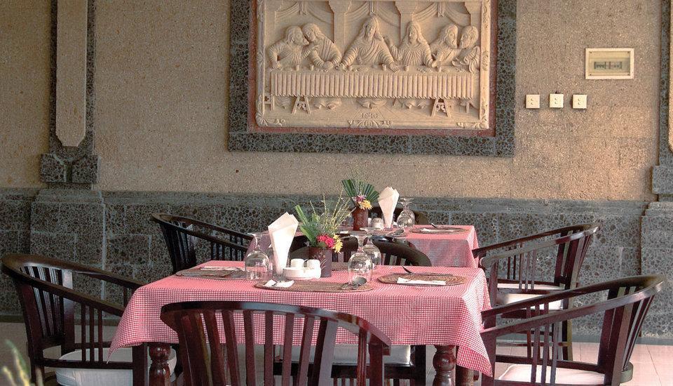 Puri Saron Hotel Gianyar Bali - Restaurant