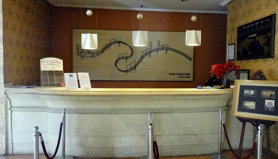 Hotel Banian Bulevar Jakarta - Resepsionis