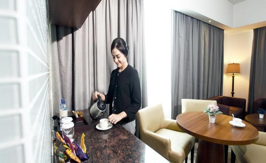 Demelia Hotel Makassar - Demelia Suite Room With Breakfast Regular Plan