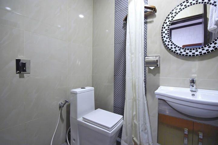Hawaii Bali Hotel Bali - Superior Bathroom