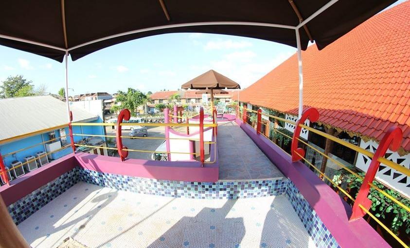 Hawaii Bali Hotel Bali - Pool Seating