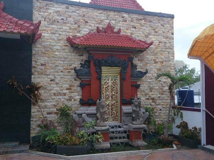 Hawaii Bali Hotel Bali - Foto Adat