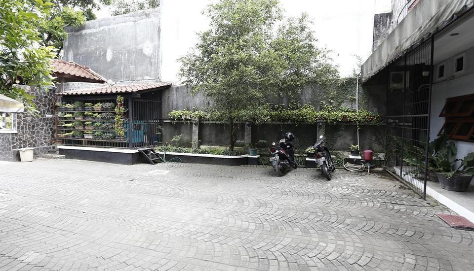 RedDoorz near Lempuyangan Station 2 Jogja -