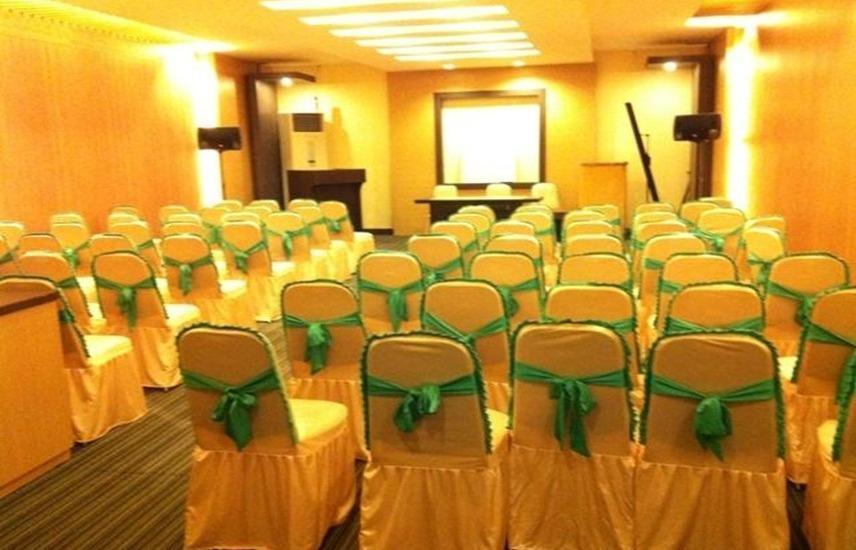 Benua Hotel Kendari Kendari - Meeting room
