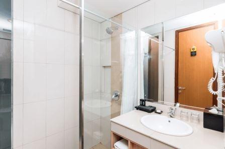 Tinggal Premium at Simpangsiur Kuta - Kamar mandi