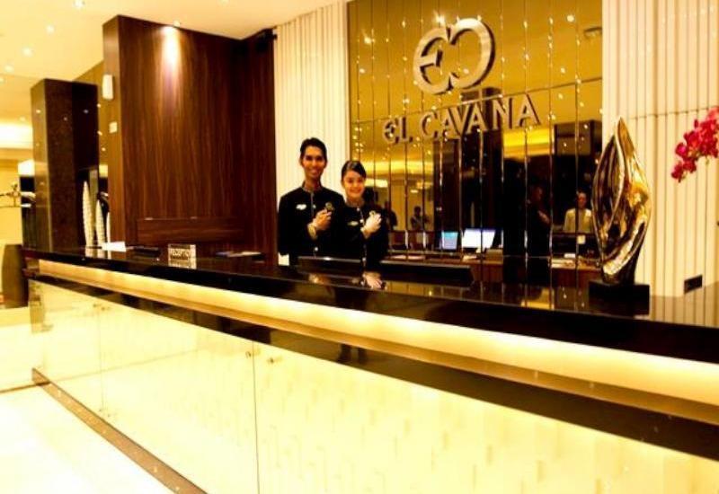El Cavana Bandung - Receptionist