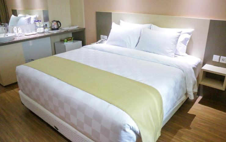 Dalton Hotel Makassar - Superior Twin Room Only Regular Plan