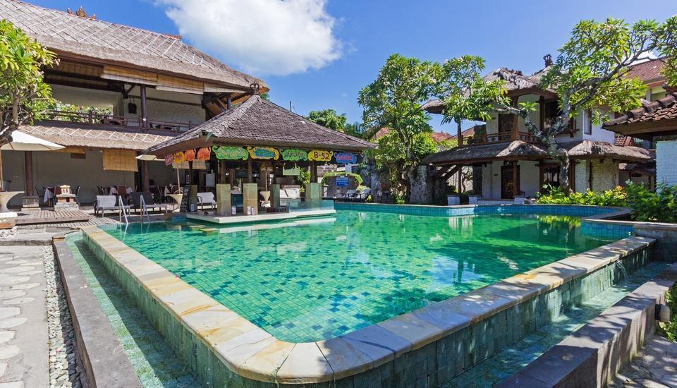 RedDoorz @Padma Utara 2 Bali - Kolam Renang