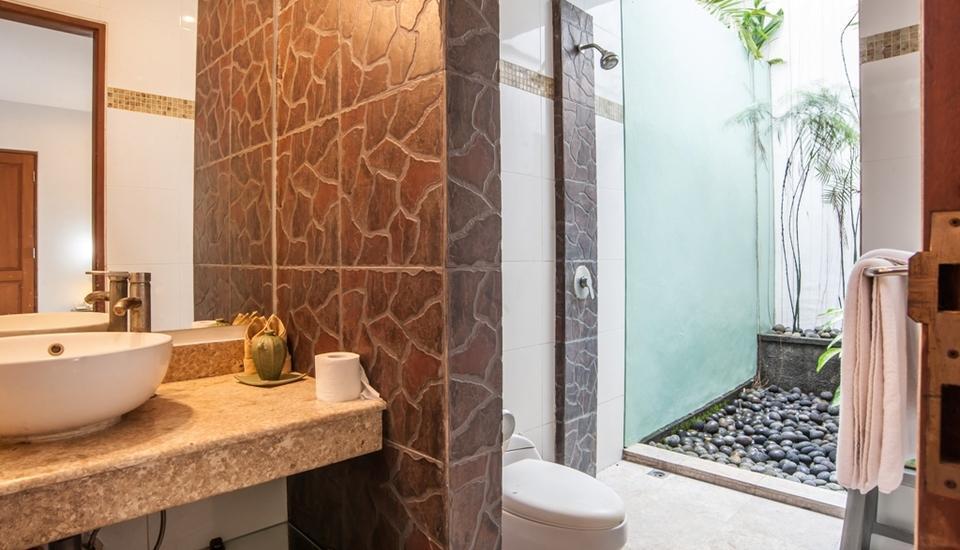 Bali Mystique Hotel Bali - Superior Bungalow Bathroom